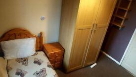 Cosy and tidy room, 20min walk to city centre