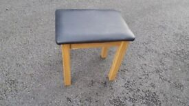 New Condition Solid Oak Stool,Can Deliver