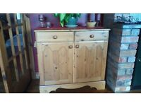 BEAUTIFUL UNIT, 2 DRAWERS AND 2 CUPBOARDS..AS NEW, SEE ALL PICS &ADS AS MANY MORE GREAT ITEMS