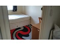 Single / double bedroom with double bed share in 3 bedroom flat, Stockton, Thornaby