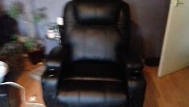 electric rise and recline fully functioning chair -no longer wanted need space