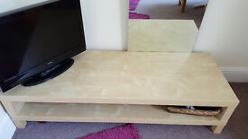 ALBA 22 inch TV and TV Bench for immediate sale