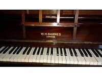 W.H.Barnes London Piano (used)
