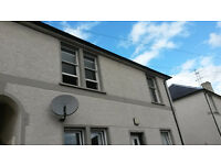 2 bedroom Flat. New d/glazed windows, totally refurbished Quiet central location.