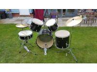 7 piece Drum kit for sale. Bass, 3 toms, snare, crash and hi hat.