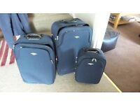 3 travel suitcases vgc £15