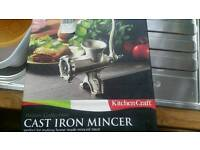 Cast iron mincer