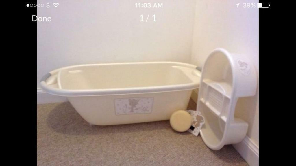Mothercare baby bathtub