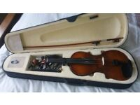 5 String 4/4 Electric/acoustic Violin with Case and Bow. As new.