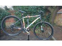 Pinnacle (Evans Cycles) Custom Mountain Bike - £305 ovno