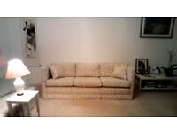 3 seat settee in excellent condition