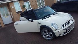 WHITE MINI ONE CONVERTIBLE WITH FULL SERVICE HISTORY !!