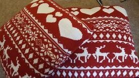 BEAUTIFUL KNITTED CHRISTMAS CUSHIONS X 2