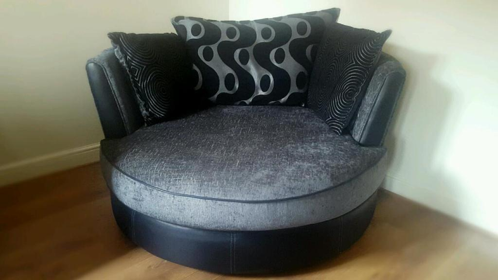Dfs Shannon Range Cuddle Chair With Half Moon Foot Rest In