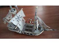 Mega Bloks Pirates of the Caribbean Ghost Ship - Dread Eye's Phantom 3660 RARE