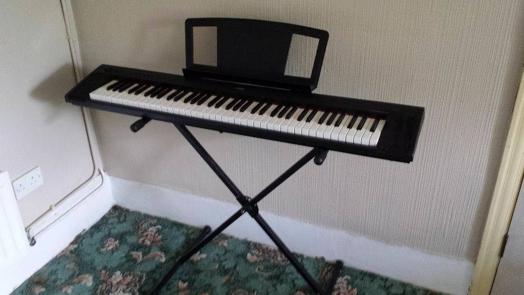 yamaha np31 piaggero keyboard with stand and cover for