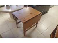 Pembroke-style Solid Pine Drop Leaf Table in Excellent Condition