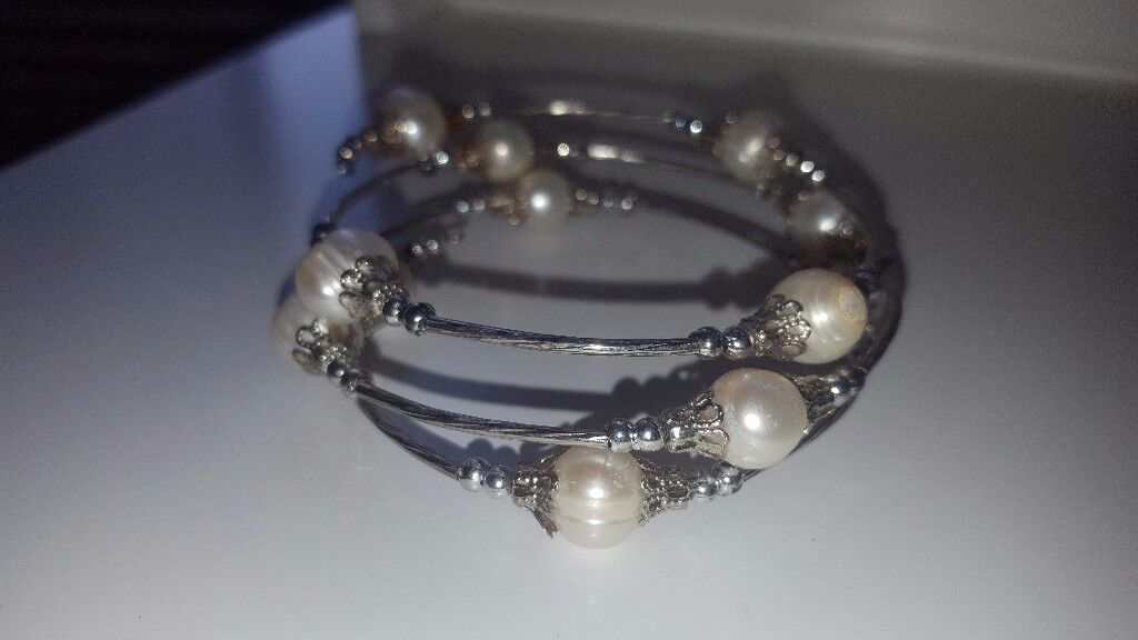 Pearls and silver bracelet New