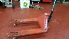 BT Quicklifter pallet truck £200