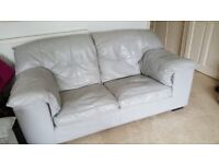 2 Seater Couch in very good leather. well used and in need of some TLC
