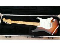 Fender 2010 USA Deluxe Stratocaster - Sunburst, Maple Neck
