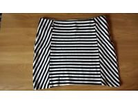 Paranoia black and white mini skirt-size M