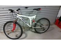 GT I-drive xcr 3000 rock shock moutain bike white red retro