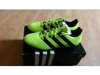 Mens football trainers size 11
