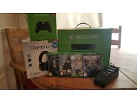 Used Xbox One 500GB Bundle with 4 games, 2 controllers, TurtleBeach headset & docking station