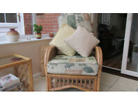 CONSERVATORY CHAIRS AND SETTEE CUSHIONS - 4 SEAT CUSHIONS AND 4 BACKS - GREEN/CREAM MIXTURE