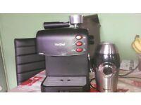 Coffee machine with steamer & coffee grinder