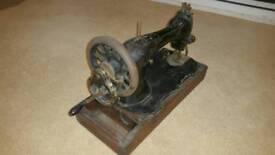 Antique Singer Sewing machine circa 1930