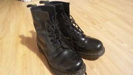 Doc Martens black patent leather, uk 7