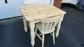 "Antique Pine 30"" x 36"" Farmhouse Table & Chairs"