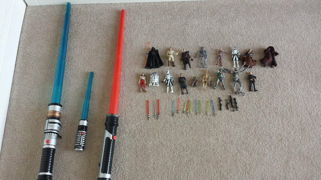 Star Wars toy and figure bundle