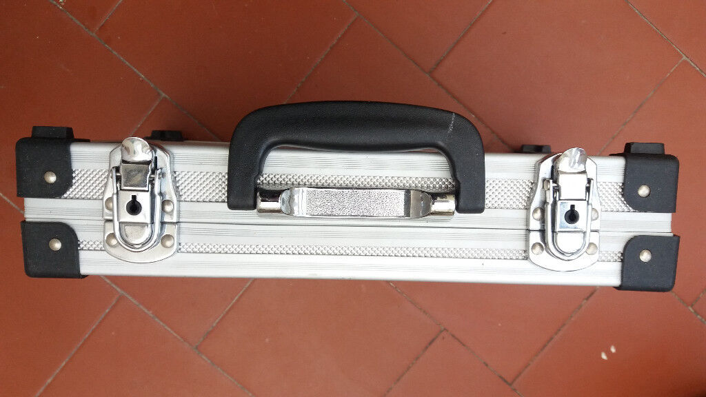 Small aluminium case
