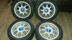 Nice alloys with nearly brand new tyrea