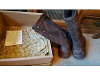 UGG BOOTS (FIT SHOE SIZE 3)