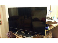 32 inch LG Full HDTV (1080p) + freeview + remote - like new only £70