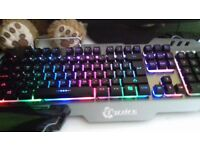 7pin PK900 Gaming Membrane Keyboard Aluminum Alloy with RGB Backlight 104 Keys