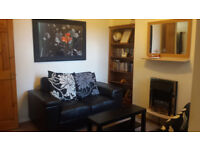 Castle Cottage in Bangor Town (Belfast 14miles) has 2 rooms to rent in a cosy and friendly house