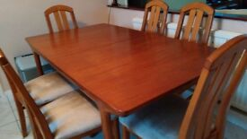 Wooden Table and 6 x Chairs Excellent Condition