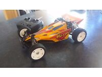 TAMIYA RADIO CONTROL CAR WITH ONLY 3 HOURS USE COMPLETE WITH TX 2.4 GHZ