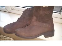Dark brown suede and leather biker boots size 8. Worn few times and still in very good conditions.