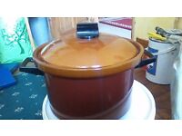ELECTRIC COOKING POT..GREAT CONDITION..BARGAIN