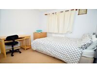 5 bedroom available to let to friends or workers immediately