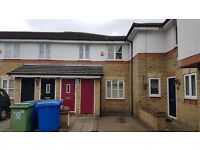 Recently redecorated well sized 3 bedroom house in quiet residential cul de sac in South Bermondsey