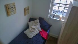 LOVELY SINGLE ROOM IN BRENT CROSS AVAILABLE NOW!