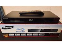 """SAMSUNG Blu-Ray player very good condition """"Boxed"""""""