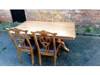 SOLID OAK DINING TABLE AND 4 CHAIRS VGC FREE LOCAL DELIVERY